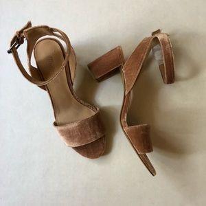 NWOT Madewell crushed velvet block heel sandal